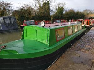 36 foot narrowboat. Just been refitted so everything s new