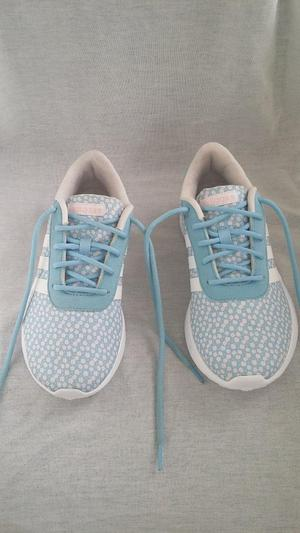 WOMEN's ADIDAS LIGHT TRAINERS. BLUE & WHITE. SIZE 5.