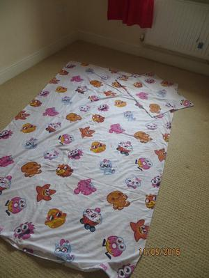 White Moshi Monsters duvet set