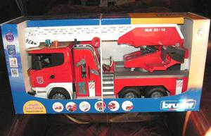 Bruder Large 1:16 Scania Fire Engine New in Box