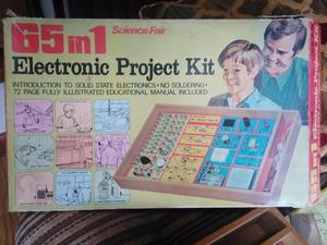 Vintage Electronics Project kit by Tandy, 65 in 1 Science Fa