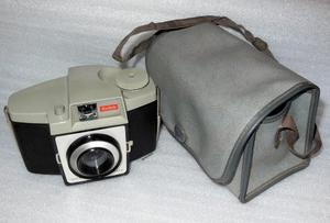 KODAK BROWNIE 'CRESTA 3' CAMERA