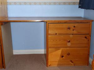 Solid wood desk/dressing table with 3 large drawers