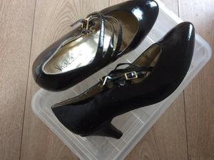 £5 Size 7 new shoes, black patent, was £10!!!