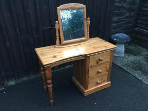 Pine Dressing Table (Can Deliver)