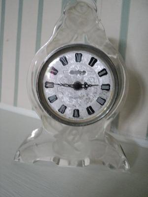 Crystal Clock in the Lalique style £15