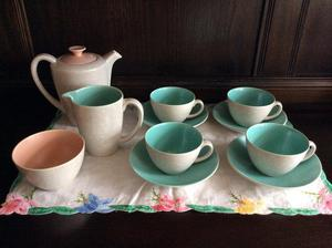 Poole Pottery Twintone coffee set, s. Unused.