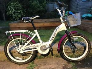 18 Inch girls bike for sale excellent condition