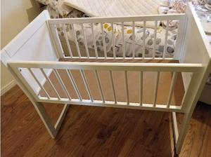 Baby crib excellent condition almost new in Southampton