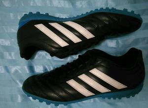 Adidas turf football trainers/boots size 9,5 (EU 44)