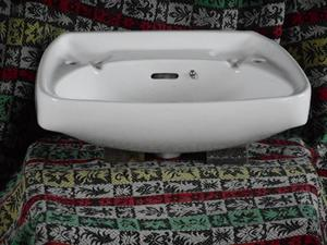 LARGE WHITE HAND BASIN