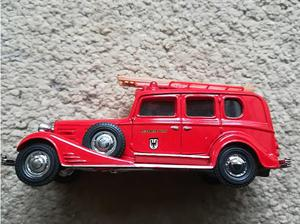 Matchbox Collectable  V15 Cadillac Fire Engine 1.46th