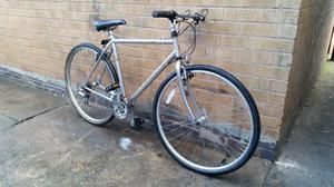 Mens Raleigh Hybrid Mountain Bike in Good Condition