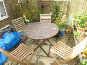garden table and chairs, wooden garden table and 4 folding chairs