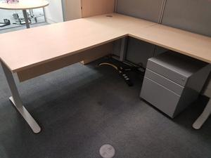 maple office desk with extension and pedistal
