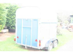 Twin horse box,recent service ready to go,front loader door