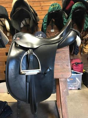 "Albion SLK Dressage Saddle 17"" Medium Wide For Sale"