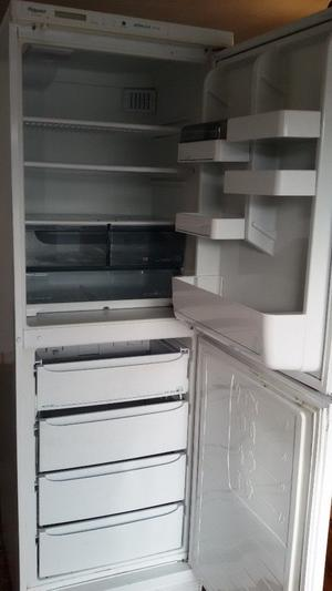 Hotpoint Mistral Plus Frost Free Fridge Freezer