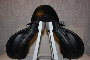 "Kent and Masters GP Saddle 17"" with a wide/extra wide"