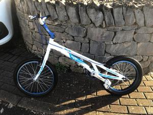 Onza bird stunt bike excellent condition
