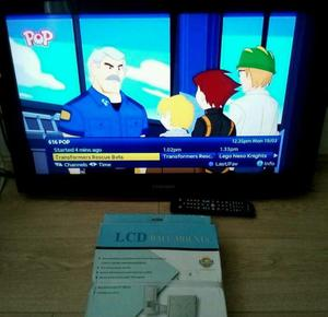 32 inch lcd TV complete with remote and wall braket