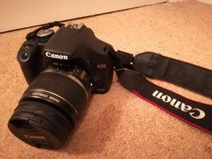 Excellent condition Canon EOS 500D Digital SLR Camera with Canon EF-S mm  IS Kit lens