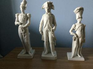 3 WHITE CHINA MILITARY FIGURES - WASHINGTON'S INDEPENDENT COMPANY