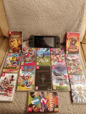 Nintendo Switch + 13 games + Accessories