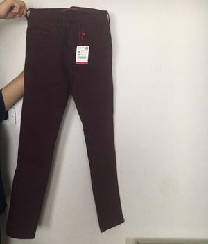 Brand new Zara men, Bordeaux jeans, size 36 (xs-s), with tag intact. + free jeans clothes bundle