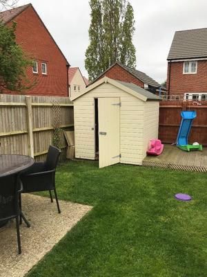200cm x 200cm garden shed in excellent condition. It is only 3 yeaRs old.