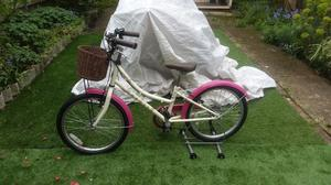 Dawes Li'l Duchess Girls  Inch Bike excellent condition and fully working