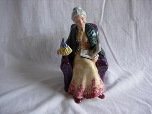 Royal Doulton Figurine - Prized Possessions HN