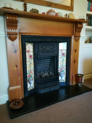Cast iron gas fire and mantle piece / fireplace
