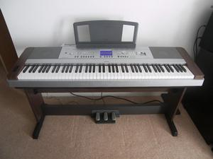 Yamaha DGX-640, DGX-Key Hammer Standard Portable Grand Piano with Keyboard Stand and Pedals.