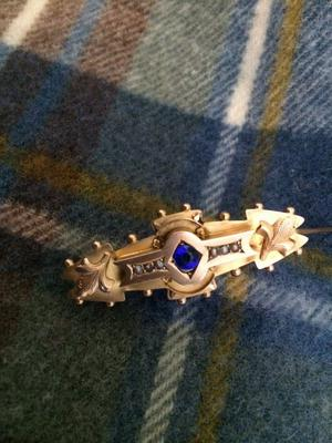 VICTORIAN BROACH - 19th cent Gold,Sapphire & Pearl Brooch