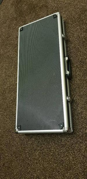 Nice Flight Case with Free Pedal Board Good Condition Can Deliver for £5 Locally