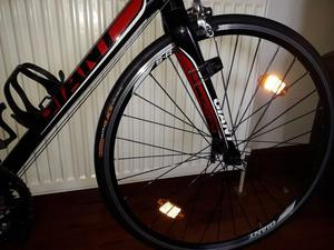 Giant Defy 2 Road Bike In Mint Condition