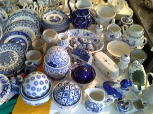 Job lot Blue And White Willow Pattern & Other 110 peices.