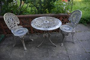 2x Metal Garden Chairs And Table