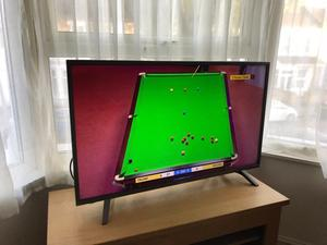 """Only 6 weeks old hisense 43"""" 4K ultra HD smart led HDR tv. Boxed. £260 NO OFFERS. CAN DELIVER"""