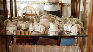 ROYAL DOULTON complete dinner service