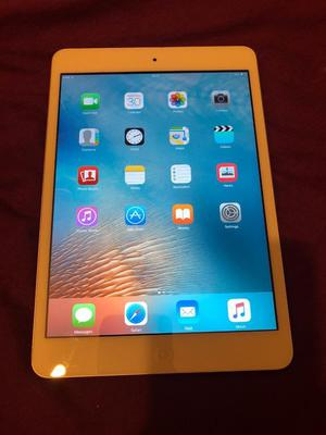 Apple iPad mini ‑ Wi‑Fi ‑ 16 GB ‑ White/Silver ‑ 7.9""