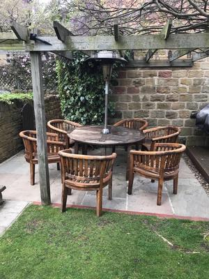 Solid wood garden chairs with cushions