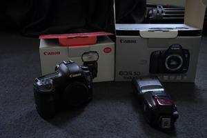 Canon 5D Mark 3 III Body Only With Canon Flash 600EX-RT