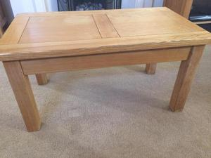 Solid oak coffee table & nest tables