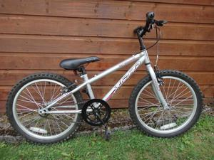 Apollo XC20 bike, suit age 7 to 9 years old, 20 inch wheels, single gear