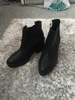 Black H&M heeled boots Size 4