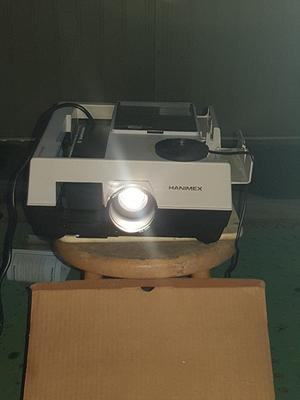 Vintage carousel slide projector Hanimex Rondette  series remote control and automatic focus