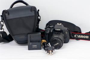 CANON 700D DSLR CAMERA AND LENS