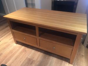 TV unit and large coffee table in oak.